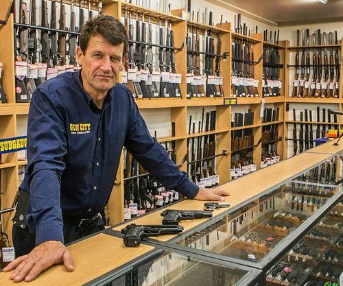New Zaeland ban hành luật kiểm soát súng đạn mới sau vụ khủng bố khiến 50 người thiệt mạng - Ảnh 2
