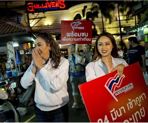 Chân dung ứng cử viên chuyển giới tranh ghế thủ tướng Thái Lan - Ảnh 2