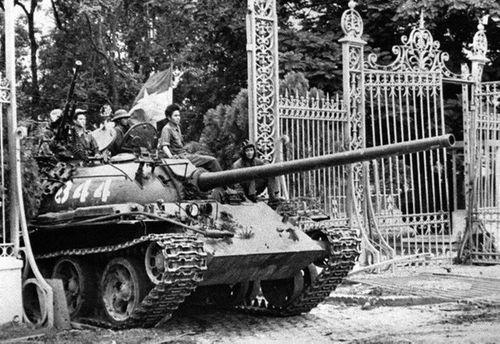 Những giờ cuối cùng trước giải phóng miền Nam 30/4/1975 - Ảnh 9