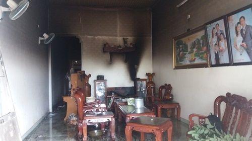 Gia Lai: Cháy nhà lúc rạng sáng, 3 mẹ con bị ngộ độc khói - Ảnh 1