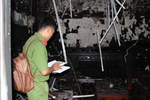 Đồng Nai: Cháy nhà, quán trà sữa tan hoang - Ảnh 2