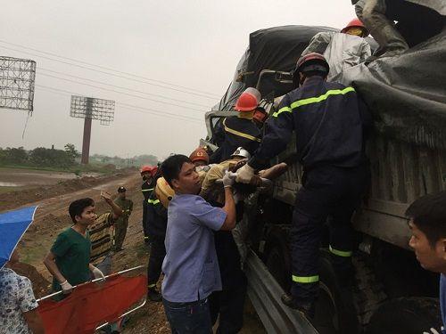 Tai nạn trên cao tốc, 3 người thương vong - Ảnh 2