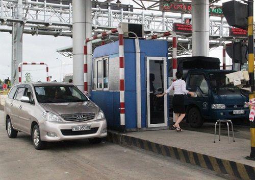 Tài xế dừng xe phản đối, BOT Ninh Lộc phải xả trạm trong ngày 1/5 - Ảnh 1