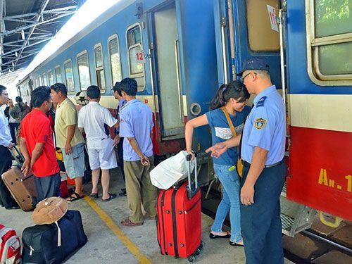 Đường sắt Hà Nội giảm 10% giá vé tàu cho thí sinh THPT quốc gia 2018 và người thân đi cùng - Ảnh 1