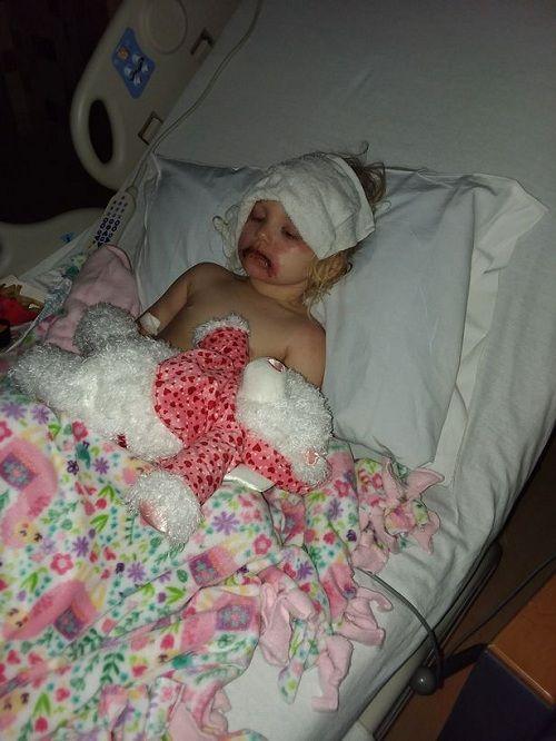Bà mẹ kinh hãi chia sẻ hình ảnh của con gái 3 tuổi bị phồng rộp do dị ứng với đồ trang điểm rẻ tiền - Ảnh 3