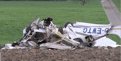 Rơi máy bay ở Đức, ít nhất 2 người thiệt mạng - Ảnh 2