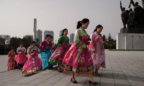 Triều Tiên kỷ niệm 106 năm ngày sinh cố lãnh đạo Kim Nhật Thành - Ảnh 1