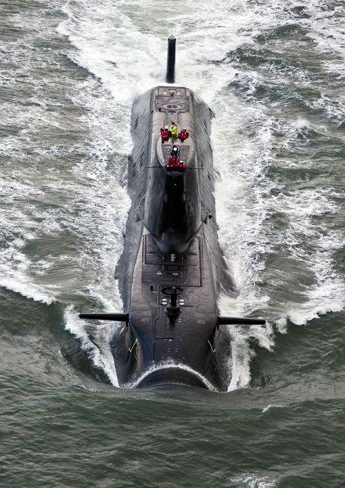 Trước cuộc không kích Syria, tàu ngầm Nga đã bí mật bám theo tàu ngầm Anh - Ảnh 2