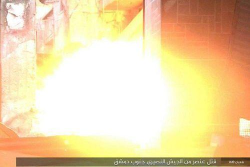 IS tiết lộ cách hành hình mới, biến tù nhân thành bom sống - Ảnh 3