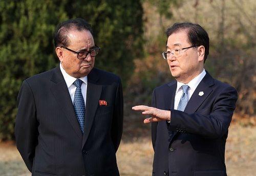 Tiết lộ hậu trường cuộc gặp gỡ lịch sử của lãnh đạo Triều Tiên và tổng thống Hàn Quốc - Ảnh 4