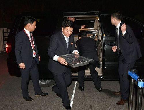 Tiết lộ hậu trường cuộc gặp gỡ lịch sử của lãnh đạo Triều Tiên và tổng thống Hàn Quốc - Ảnh 5