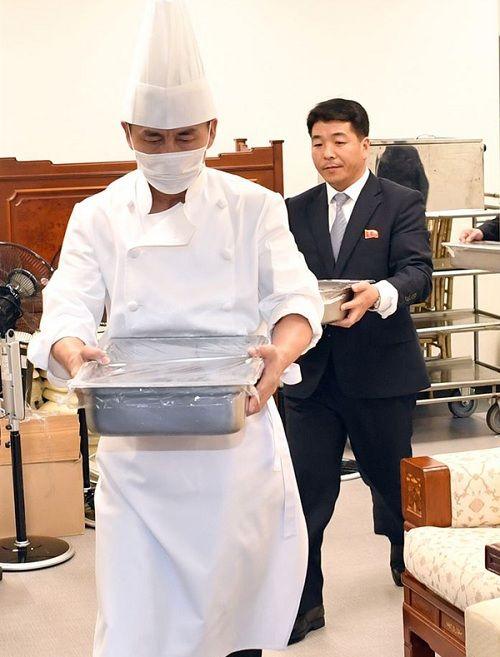 Tiết lộ hậu trường cuộc gặp gỡ lịch sử của lãnh đạo Triều Tiên và tổng thống Hàn Quốc - Ảnh 6