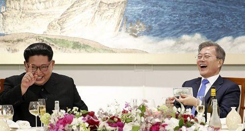 Tiết lộ hậu trường cuộc gặp gỡ lịch sử của lãnh đạo Triều Tiên và tổng thống Hàn Quốc - Ảnh 8