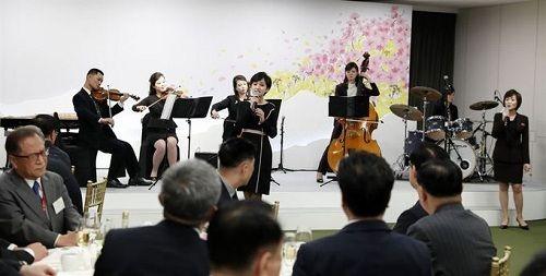Tiết lộ hậu trường cuộc gặp gỡ lịch sử của lãnh đạo Triều Tiên và tổng thống Hàn Quốc - Ảnh 9