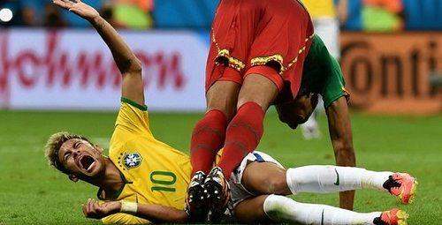 """Cư dân mạng chế """"bí kíp"""" 26 chiêu ăn vạ của Neymar - Ảnh 1"""