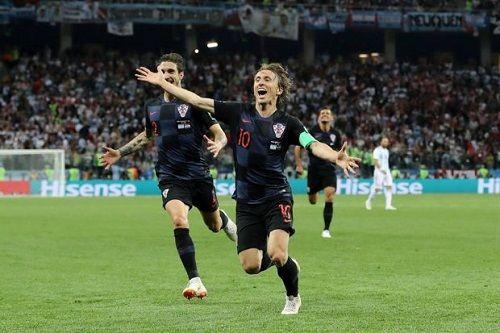 """Trước trận chung kết Pháp - Croatia: Sự đáng sợ của """"cặp đôi sóng sát"""" Modric – Rakitic  - Ảnh 1"""