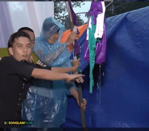 Thanh niên ôm chặt cột, giữ rạp đám cưới không đổ trong ngày cơn bão số 3 đổ bộ - Ảnh 2