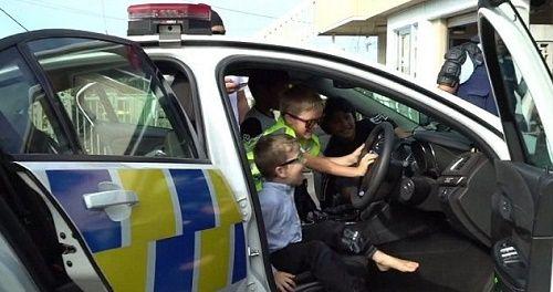 Cậu bé 5 tuổi gọi điện đến sở cảnh sát để mời dự sinh nhật - Ảnh 2