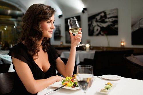 Nghiên cứu 30 năm: Không uống rượu bia dễ... mất trí nhớ - Ảnh 1