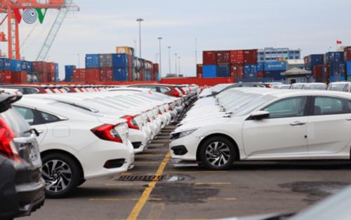 Nửa đầu tháng 3, lượng ô tô nhập khẩu nguyên chiếc về Việt Nam tiếp tục tăng - Ảnh 1