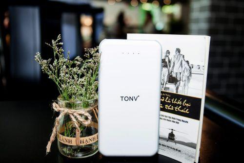 Tha hồ selfie, checkmail, tám điện thoại cùng pin sạc dự phòng TONV - Ảnh 1