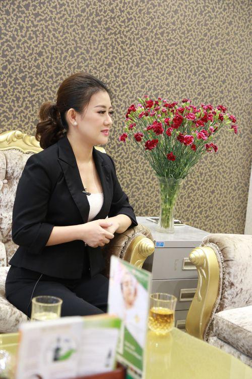 Khúc Thị Phương Thúy - Nữ thuyền trưởng và mối tình 15 năm dành cho Thẩm mỹ Việt - Ảnh 3