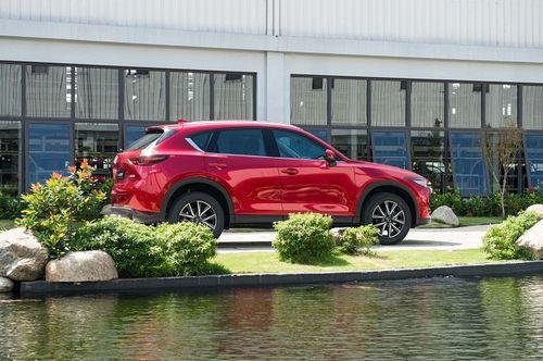 Thaco công bố giá bán xe Mazda màu sơn cao cấp mới - Ảnh 1