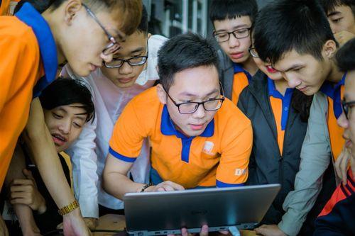 """""""Đột nhập"""" phòng Lab siêu chất của sinh viên IT DNU - Ảnh 10"""