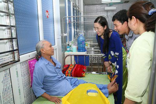 Á hoàng Doanh nhân Việt Nam Nguyễn Thụy Oanh: Chia sẻ những yêu thương – Từ thiện từ cái tâm - Ảnh 1