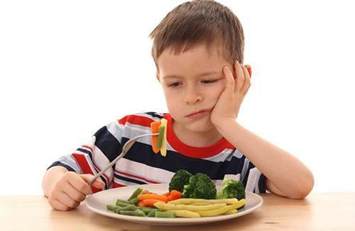Bé 3 tuổi biếng ăn, mẹ hãy làm ngay các cách sau, đảm bảo con ăn thun thút! - Ảnh 1