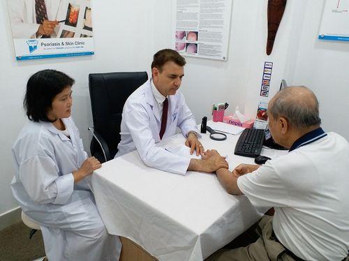 Điều trị viêm da cơ địa mãn tính bằng thảo dược - Ảnh 1
