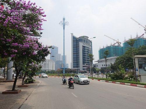 """Ý nghĩa đặc biệt của """"những cây cột màu xanh"""" giữa thủ đô - Ảnh 1"""