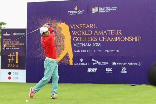 Cựu danh thủ Nguyễn Hồng Sơn so gậy cùng vợ chồng nhạc sĩ Minh Khang tại Vinpearl Golf Nam Hội An - Ảnh 1