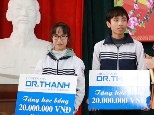 """Học bổng """"Chuyện nhà Dr.Thanh"""" tiếp thêm sức mạnh cho những học sinh nghèo vượt khó - Ảnh 1"""