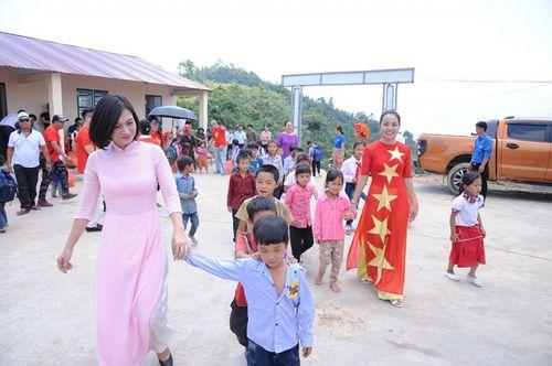 Đoàn thiện nguyện dự án xây dựng trường tiểu học Tà Moong tổ chức lễ khánh thành trước thềm năm học mới - Ảnh 11