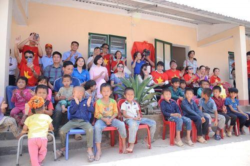 Đoàn thiện nguyện dự án xây dựng trường tiểu học Tà Moong tổ chức lễ khánh thành trước thềm năm học mới - Ảnh 8