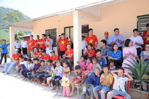 Đoàn thiện nguyện dự án xây dựng trường tiểu học Tà Moong tổ chức lễ khánh thành trước thềm năm học mới - Ảnh 9