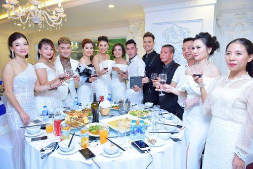 Hoa hậu doanh nhân Đàm Hương Thủy mừng sinh nhật cùng với bạn bè thân thiết - Ảnh 15