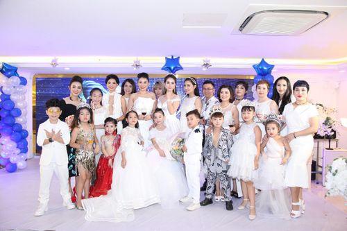 Hoa hậu doanh nhân Đàm Hương Thủy mừng sinh nhật cùng với bạn bè thân thiết - Ảnh 8