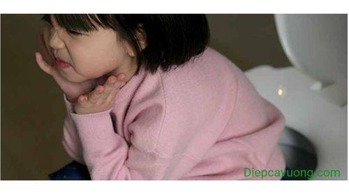 Trẻ bị táo bón không đi ngoài được nên chữa thế nào? - Ảnh 2