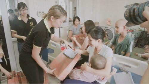 TocoToco đón Trung thu cùng các trẻ em tại khoa Nhi bệnh viện K Tân Triều - Ảnh 10