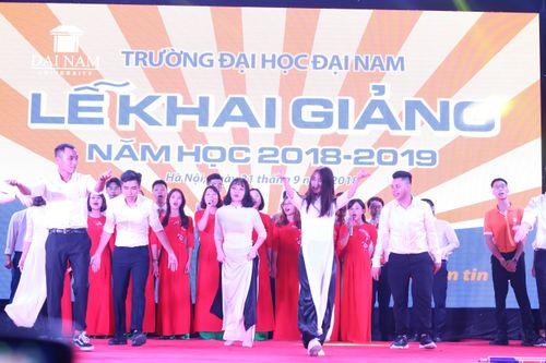 Lễ khai giảng long trọng và bữa tiệc âm nhạc đầy ý nghĩa của thầy và trò ĐH Đại Nam - Ảnh 5