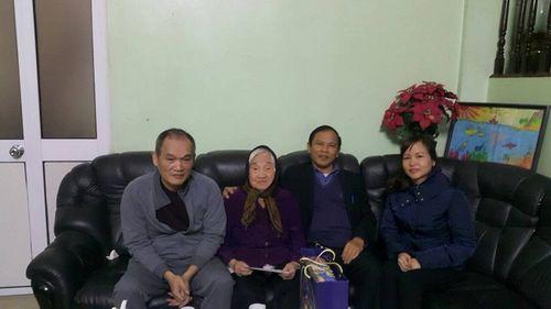 Tập đoàn Kinh Đô thăm và chúc tết Mẹ Việt Nam Anh hùng – Bà Đỗ Thị Nhuận - Ảnh 1