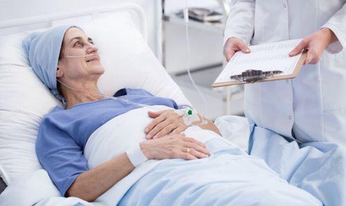"""Giải đáp câu hỏi """"Người bị ung thư phổi có chữa được không?"""" - Ảnh 2"""
