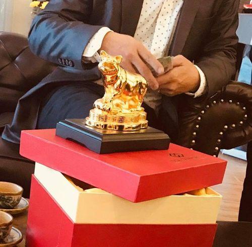 """Quà tặng mạ vàng Tết Kỷ Hợi 2019: Cẩn trọng """"chi tiền thật – nhận vàng giả"""" - Ảnh 2"""