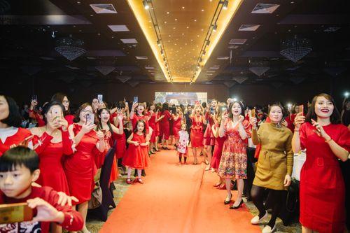 Đại tiệc Phượng Hoàng Lửa của  Bio Cosmetics lộng lẫy với concept đỏ - Ảnh 3