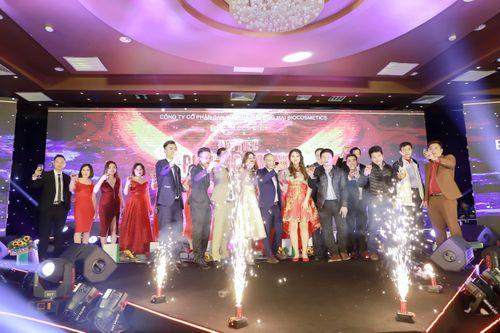 Đại tiệc Phượng Hoàng Lửa của  Bio Cosmetics lộng lẫy với concept đỏ - Ảnh 2
