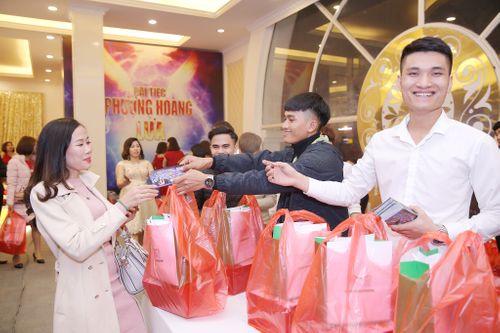 Choáng ngợp trước quà tặng khủng tại đại tiệc Phượng Hoàng Lửa Bio Cosmetics - Ảnh 4