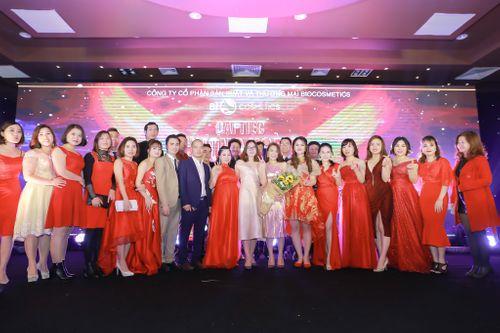 Choáng ngợp trước quà tặng khủng tại đại tiệc Phượng Hoàng Lửa Bio Cosmetics - Ảnh 5