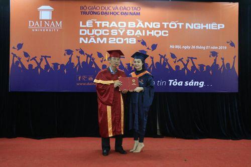 ĐH Đại Nam trao bằng Dược sĩ đại học cho gần 200 học viên liên thông - Ảnh 3